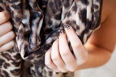 DIY cheetah nails / Gör det själv leopardmönstrade naglar