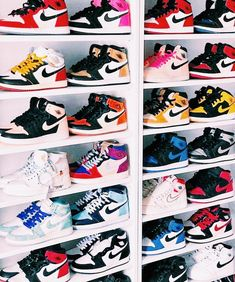 Jordan Shoes Girls, Girls Shoes, Cute Sneakers, Shoes Sneakers, Nike Shoes Air Force, Aesthetic Shoes, Hype Shoes, Fresh Shoes, Trendy Shoes