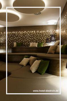 Hier fällt Entspannung leicht - genießt einen wohltuenden Wellnesstag in Romantik Wellnesshotel Diedrich in NRW. #hoteldiedrich #wellness #wellnesshotel #hotel #sauerland #nrw #auszeit #wellnessurlaub Wellness In Nrw, Bathroom Lighting, Flat Screen, Ceiling Lights, Mirror, Furniture, Home Decor, Motto, Hotels