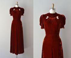 r e s e r v e d...Cosa Rara dress / silk velvet 30s dress / vintage 1930s dress on Etsy, 847:46kr