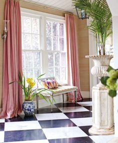 Cortinas Pink linen curtains might be unpredictable with a marble-and-granite checkerboard floor and grass-cloth walls, but designer Ruthie Sommers knew they would add pizzazz to her entry hall in her Los Angeles home. Checkerboard Floor, Pink Curtains, Ceiling Curtains, Curtains Living, Pink Room, Suites, Window Design, Lounge, Interiores Design