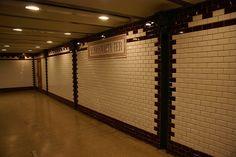 Vörösmarty Tér at Budapest Metro               View all sizesView slideshow View Exif info...