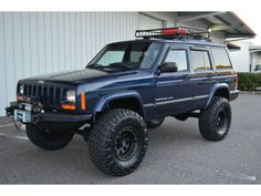 Jeep Cherokee on 33 inch tires and 4 inch lift Jeep Xj Mods, Modificaciones Jeep Xj, Jeep Cars, Jeep Truck, Jeep Wrangler, Jeep Sport, Jeep Cherokee Sport, 2001 Jeep Cherokee, Cherokee 4x4