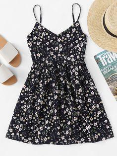 V Neckline Ditsy Print Cami Dress - Casual Summer Dresses Cute Casual Outfits, Cute Summer Outfits, Casual Dresses, Fashion Dresses, Trendy Dresses, Casual Summer, Fashion Clothes, Spring Outfits, Fashion Jewelry