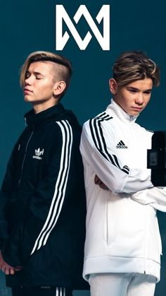 Marcus and martinus Best Backrounds, Shadowhunters Season 3, I Go Crazy, Anime Music, Famous Singers, Twin Brothers, Beautiful Person, Adidas, Mom Hairstyles