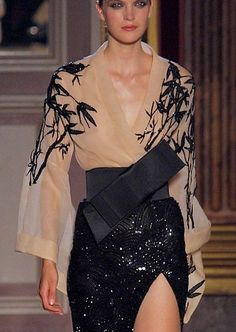 Stunning design by Zuhair Murad inspired by Japanese style