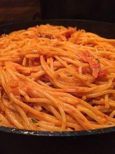 Ajvar – Knoblauch Nudeln, ein schmackhaftes Rezept aus der Kategorie Pasta & Nud… Ajvar – garlic noodles, a tasty recipe from the Pasta & Noodle category. Budget Freezer Meals, Healthy Freezer Meals, Cooking On A Budget, Frugal Meals, Healthy Recipes, Easy Meals, Garlic Noodles, Garlic Pasta, Noodle Recipes
