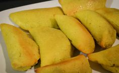 cocina colombiana empanadas Gluten Free Recipes, Healthy Recipes, Colombian Food, Dried Fruit, Free Food, Pear, Mango, Appetizers, Relleno