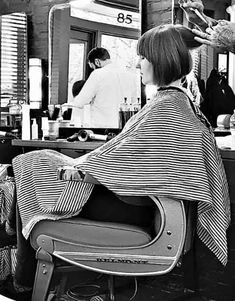 Short Bob Hairstyles, Cool Hairstyles, Haircuts, Short Hair Cuts, Short Hair Styles, Barbershop, Hair Beauty, Pony, Hairdressers