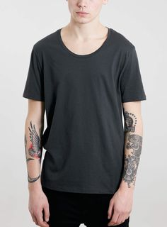 WASHED BLACK CLASSIC SCOOP NECK T-SHIRT