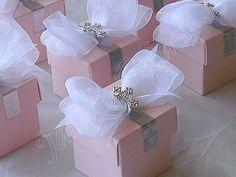 DIY ;):) Beautiful favor boxes:)