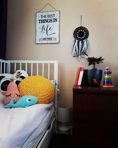 Baby room 💞 #sznurekbawełniany #druty #handmade #recznierobione #lovecrocheting #knitting #dzierganie #crochet #diy #knitinstagram #handcrafted #cushion #miladruciarnia #kolor #cottoncord #cotton #instacrochet #crocheting #fabrics #knit #babycot #homemade #pattern #wzory #home #homedecor #knittinglove #i_love_rekodzielo #łapaczsnów #dreamcatcher