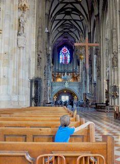 Das Wahrzeichen Wiens, der Stephansdom aus der Sicht eines Kindes. Painting, Pilgrims, Painting Art, Paintings, Painted Canvas, Drawings