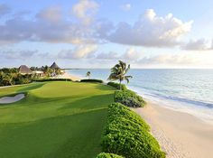 Expert Golf Tips For Beginners Of The Game. Golf is enjoyed by many worldwide, and it is not a sport that is limited to one particular age group. Not many things can beat being out on a golf course o Famous Golf Courses, Public Golf Courses, Riviera Maya, Golf Outfit, Golf Fotografie, Costa Rica, Fairmont Mayakoba, Golf Sport, Golf Apps