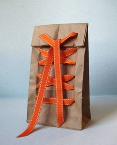How to Make Brown Paper Packages Tied Up With Strings - CraftStylish.  Clever ideas.