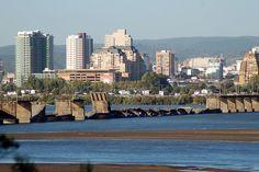 Ciudad de Concepcion , centro sur de Chile , .Puente en ruinas despues del terremoto del 27 del 2010