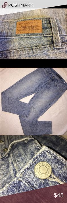 Levi's Paisley print Denim jeans Cute and excellent condition Levi's. They have a paisley pattern. From far away they look like jeans and up close the cute pattern shows! These are truly a steal. Size 0. Levi's Jeans Skinny