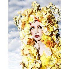 Sunflower Headdress, via Etsy. Aurora Costume, Floral Headdress, Model Photographers, Flower Fashion, Flowers In Hair, Her Hair, Hair Pins, Flower Power, Aurora Sleeping Beauty