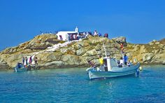 A Daily Sailing Tour to the southern Cyclades, to Kalados bay of Naxos and the islands of Koufonisia, Iraklia or Schinoussa. Greece Tourism, Montpellier, Mediterranean Sea, Day Tours, Tour Guide, Day Trip, Cave, Sailing, Island