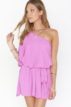 As you prepare to say I do next to the glimmering turquoise water, check out our guide to destination wedding and beach wedding dresses. Pink Mini Dresses, Pink Dress, Cute Dresses, Beachy Maxi Dress, Boho Dress, Casual Bride, How Many Bridesmaids, White Sequin Dress, Minimalist Wedding Dresses