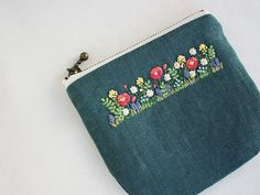 Embroidery Purse, Embroidery Applique, Cross Stitch Embroidery, Embroidery Patterns, Sewing Art, Fabric Bags, Quilted Bag, Cloth Bags, Craft Bags