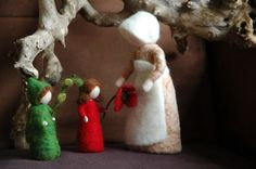 Waldorf inspired needle felted dolls: Mother Earth and Her Children: