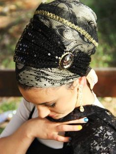 Black Sequin Royal Sinar Tichel with Stone -Headcovering was designed by Michal (shablula brand name) . This headcovering comes with an extr. Turban Mode, Head Wrap Scarf, Scarf Hat, Pelo Afro, Head Scarf Styles, Hair Cover, Turban Style, Beautiful Hijab, Beauty Full Girl
