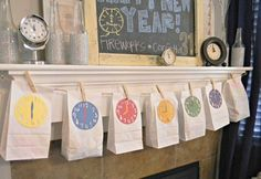 New Year's Eve DIY Countdown for the Kids! See 10 kid-friendly New Year's Eve party ideas on www.prettymyparty.com.