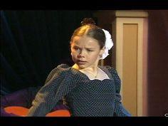 Rocío Molina, de niña, baila una caña flamenca (1996)