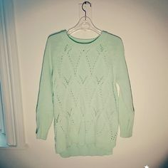 Lovely Mint Knit Sweater Lovely mint color knit sweater. Its elaborate pattern is so beautiful! Only worn a few times so it's in a great condition. Looks really cute with black mini skirts and leggings. Sweaters Crew & Scoop Necks