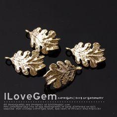 NP-1730 Matt Gold plated Leaf Charm 2pcs por ilovegem en Etsy