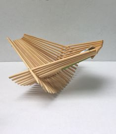 Environnmentally conscious and creatively designed, these recycled chopstick bowls make great gifts. They display fruit, bread and greens beautifully. Concept Models Architecture, Architecture Design, Popsicle Stick Crafts, Craft Stick Crafts, Bamboo Furniture, Diy Furniture, Diy Home Crafts, Arts And Crafts, Stick Art