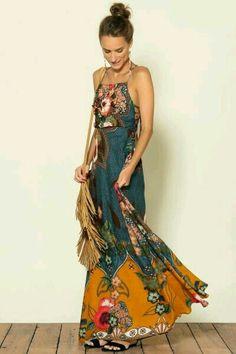 dress with interesting print - Herren- und Damenmode - Kleidung Gypsy Style, Hippie Style, Bohemian Style, Boho Chic, Bohemian Fashion Styles, Boho Gypsy, Fashion Mode, Gypsy Fashion, Look Fashion