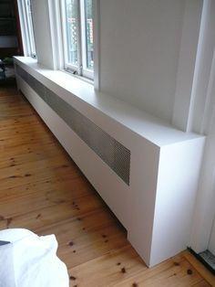 Verwarming ombouw Lounge Design, New Living Room, Living Room Decor, Radiator Heater Covers, Modern Radiator Cover, Home Radiators, Garage Bedroom, Modern Interior, Interior Design