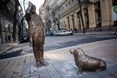 Columbo (Peter Falk) Statue In Budapest, Hungary Rock Sculpture, Modern Sculpture, Lion Sculpture, Visionary Art Museum, Statue En Bronze, Walker Art, Loyal Dogs, Famous Art, Budapest Hungary
