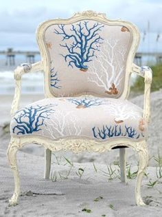 Upholstering a Chair Coastal Style -How To & Decorando con corales · Decorating with corals | Pinterest | Coral ...