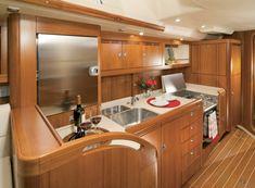 Küche auf der Sunbeam 53.2 #luxury #yacht