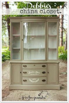 Linen Closet Makeover Diy Annie Sloan 19 Ideas For 2019 Chalk Paint Furniture, Furniture Projects, Furniture Makeover, Furniture Refinishing, Dresser Makeovers, Dining Furniture, Diy Furniture, Furniture Design, Painted China Hutch