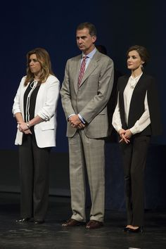 Queen Letizia of Spain Photos - Spanish Royals Attend the Innovation and Design Awards 2015 - Zimbio