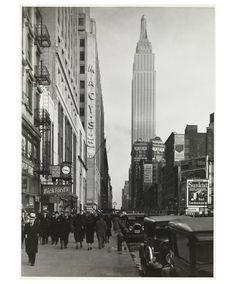 Samuel H. Gottscho, Looking East on 34th Street, 1930by Samuel H.Gottscho