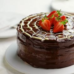 This is the ultimate vegan chocolate cake recipe. It is richly chocolatey, has a moist and tender crumb and is perfect for all of your chocolate cake needs! Oreo Cake Recipes, Easy Cake Recipes, Cookie Recipes, Dessert Recipes, Mini Desserts, Oreo Recipe, Layer Cake Recipes, Gourmet Desserts, Pasta Recipes
