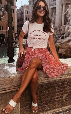 Street Style Outfits Summer - gorgeous spring and summer outfits women . Street Style Outfits Summer - gorgeous spring and summer outfits women # # # street. Modest Casual Outfits, Trendy Outfits, Fall Outfits, Summer Skirt Outfits, Summer Outfits For Vacation, Europe Outfits Summer, Summer Skirts, Travel Outfit Summer, Summer Wardrobe