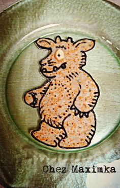 Chez Maximka: The Gruffalo's Child Pancake (the design is done with Queen writing icing)