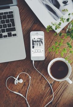 Creative photography with coffee,phone and headphones Flat Lay Photography, Coffee Photography, Tumblr Photography, Creative Photography, Photography Poses, Laptop Photography, Teenage Girl Photography, Photography Aesthetic, Photography Branding