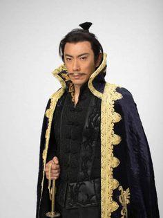 ニュース| 歌舞伎役者の市川海老蔵が、NHKで放送中の大河ドラマ『おんな城主直虎』(毎週日曜後8:00総合ほか)に織田信長役で出演することが2日、同局から発表された。海老蔵が大河ドラマに出演するのは、2003年に主演を務めた『武蔵MUSASHI』以来となる。