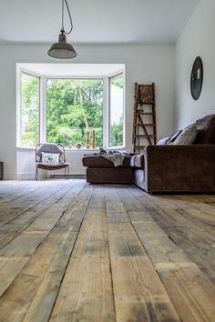 that's my dream floor Living Room Flooring, Home Living Room, Living Spaces, Castle Stones, Dark Wooden Floor, Luxury Interior, Interior Design, Doors And Floors, Minimal Living