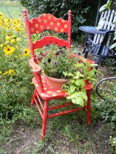 Wheelbarrow Planter, Chair Planter, Old Chairs, Outdoor Chairs, Outdoor Decor, Sensory Garden, Garden Chairs, Small Patio, Furniture Restoration