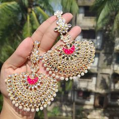 Kundan meena earing DM to order . Indian Bridal Jewelry Sets, Indian Jewelry Earrings, Fancy Jewellery, Jewelry Design Earrings, Stylish Jewelry, Jewelery, Designer Earrings, Tiny Heart, Heart Earrings