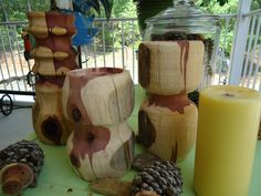 Aromatic cedar candle holders Lathe, Craft Items, Firewood, Mystery, Candle Holders, Candles, Texture, Handmade, Crafts