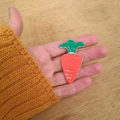 Carrot pin hand painted in chalk ceramic. Funny brooch for coat collar, jacket pocket, hat or bag.. you can use it with any accessory to make it colorful and ironic.
